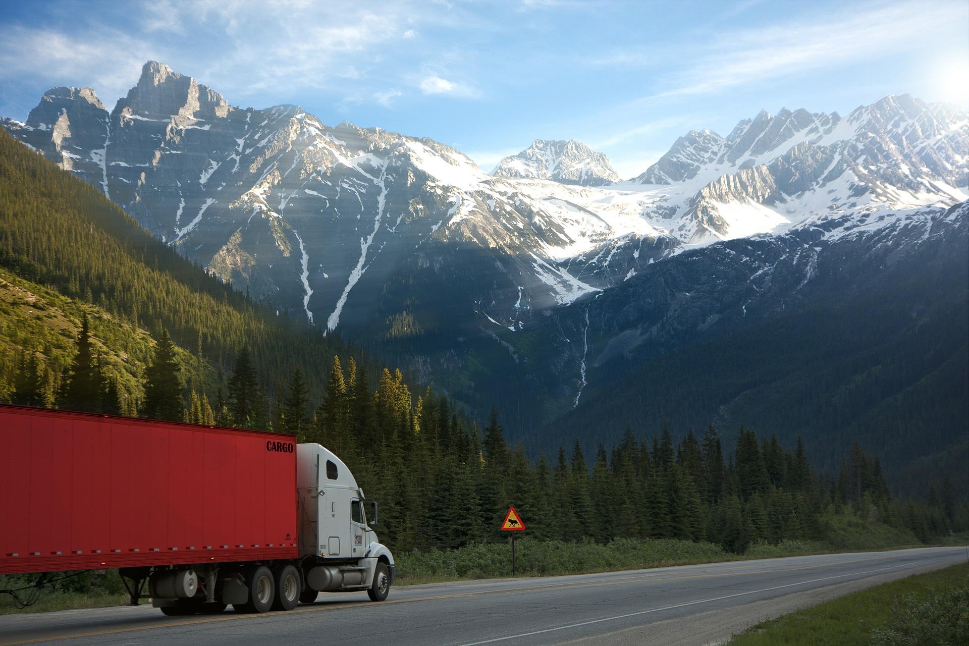 truck-2755172_1920